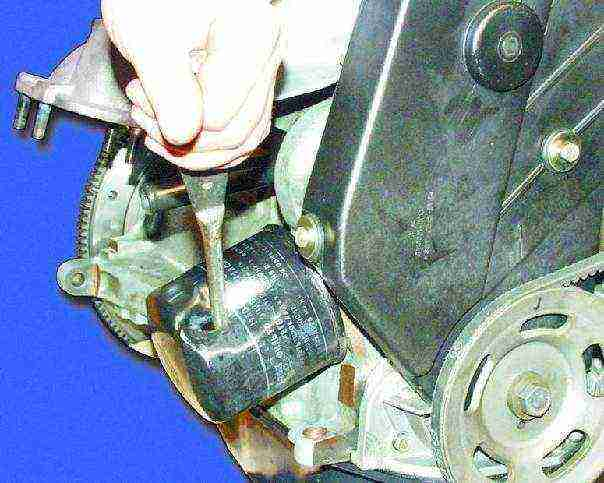 ВАЗ 2108 Замена масляного фильтра и масла в двигателе Лада Самара